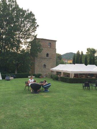 Torre Santa Flora: De toren