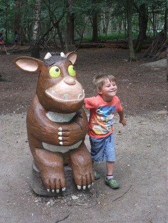 Thorndon Country Park: Gruffalo child