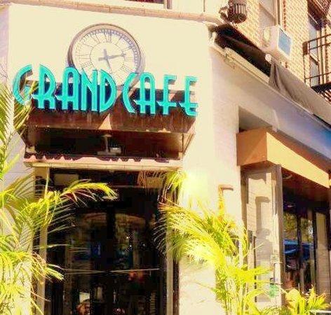 Grand Cafe Astoria Hours