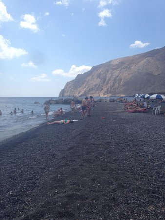 Kamari Beach: Spiaggia nera