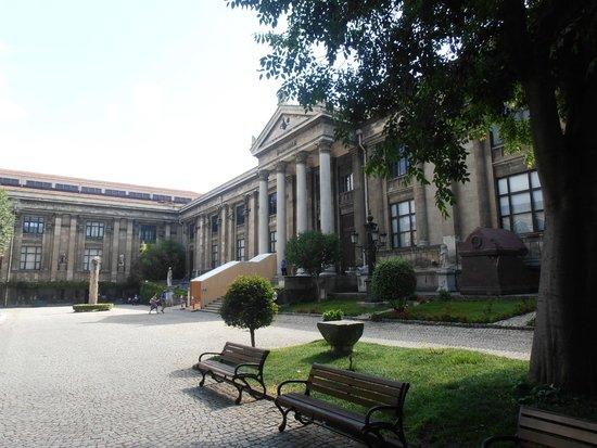 Museo de Arqueología de Estambul: Археологический музей, внутренний двор