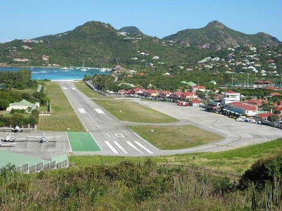 Toiny Coast: Gustavia airstrip