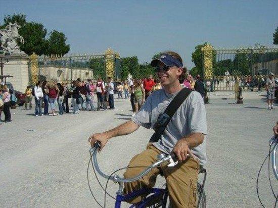 Fat Tire Tours Paris: Enjoying a break