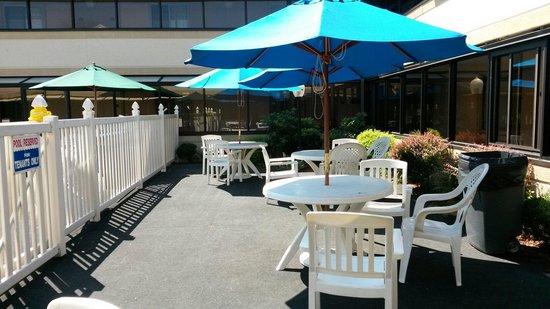 Ramada Boston: Relax area