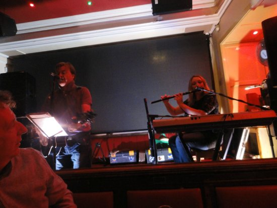 Lanigan's Bar & Restaurant: The duo with Marie King on accordion and flutes/whistle