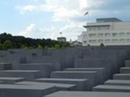UlkoTours -Day Tours : Humbling experience at the Holocaust Memorial