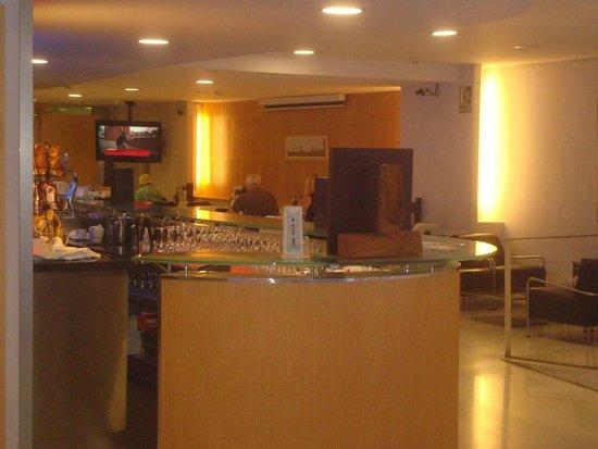 Ayre Hotel Gran Via : Café da manhã