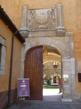 Hotel Real Colegiata de San Isidoro: entrée