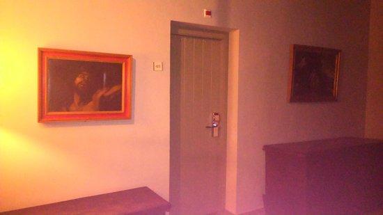 Parador de Cardona: Puerta de la habitación