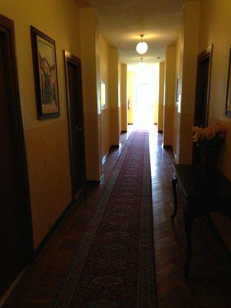Hotel Eden Riviera: De gang op de 1e verdieping