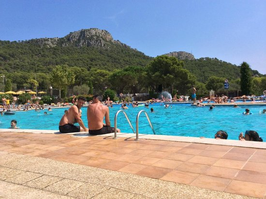 Camping Castell Montgri : Main pool - 'Panorama'