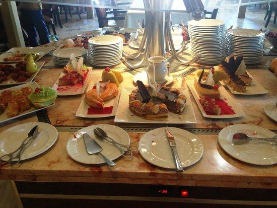 Le Royale Sharm El Sheikh, a Sonesta Collection Luxury Resort: Buffet