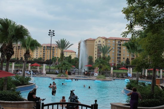 Wyndham Bonnet Creek Resort: view of the pool/lake area from the ground