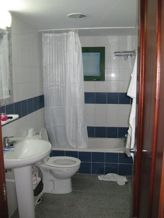 Apartamentos Palmera Mar: Bathroom