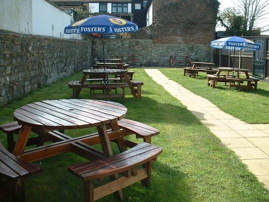 The Hope Inn: Beer Garden - a real sun trap!