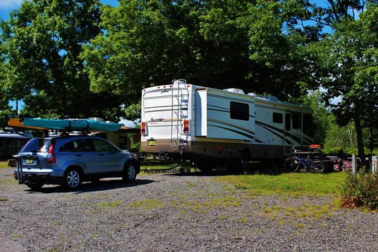 Bar Harbor Campground: Large pull through sites