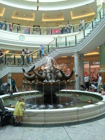 intu Trafford Centre : Fountain