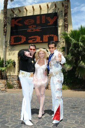 Viva Las Vegas Wedding Chapel Great Elvis Vow Renewal