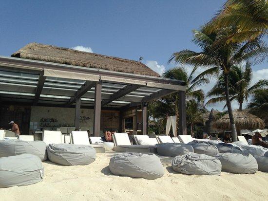 Catalonia Riviera Maya: privileged beach area, Pure Chill Out Bar