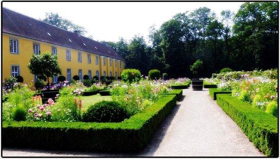 Schloss Benrath: Дюссельдорф, за́мок Бенрат