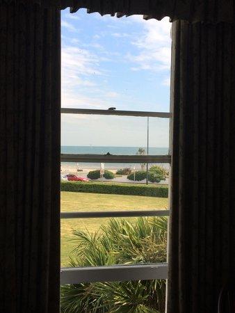 The Royal Norfolk Hotel: Sea view