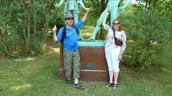 Botanical Gardens (Botanisk Have) : being silly