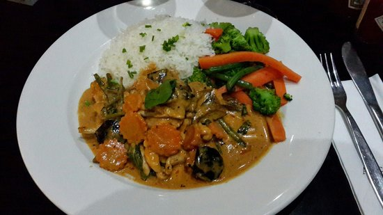 Artcaffe: Thai red chicken curry