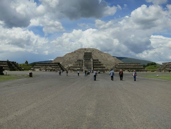 Teotihuacan : Pyramid of the Sun