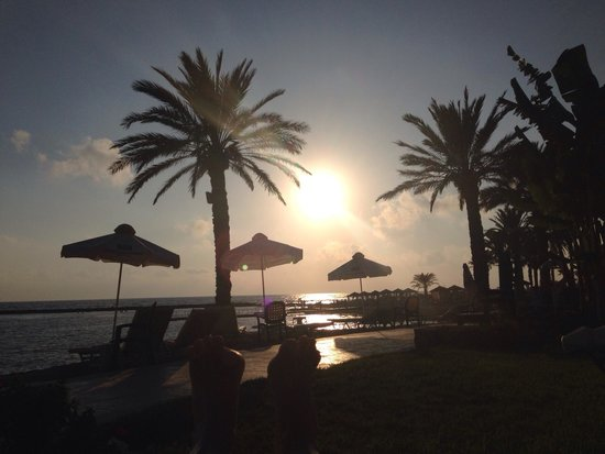 Constantinou Bros Pioneer Beach Hotel: Wow this is Life !!