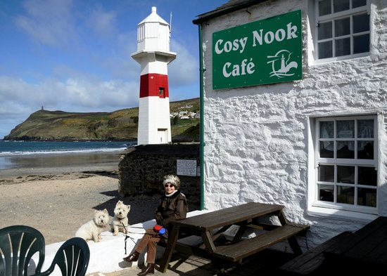 cosy nook cafe: What ever the weather, eating in or out, Cosy Nook is simply the best!