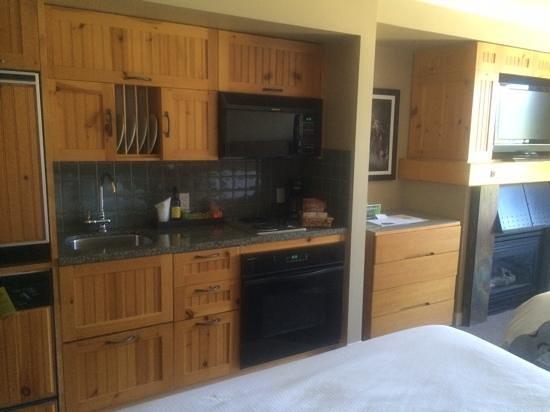 The Westin Resort & Spa, Whistler: kitchen area