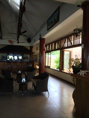 Pirogue Lodge : Salle à manger
