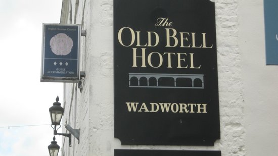 The Old Bell Inn: Hotel sign