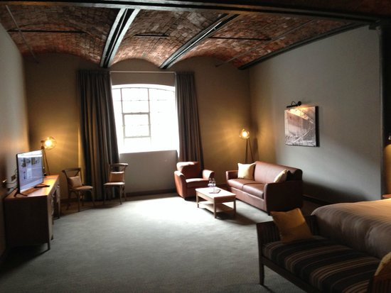Twin Bedroom Picture Of Titanic Hotel Liverpool Liverpool Tripadvisor
