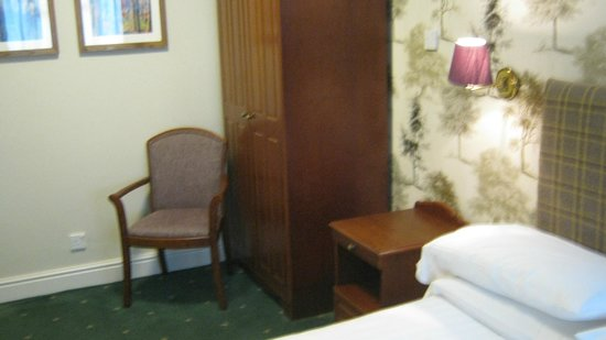 The Old Bell Inn: Furniture in room