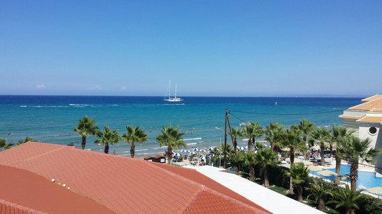 Tsilivi Beach Hotel: The view from our room 315