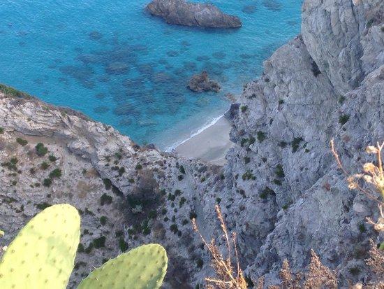 Marinella Hotel: Vista della spiaggia dal faro