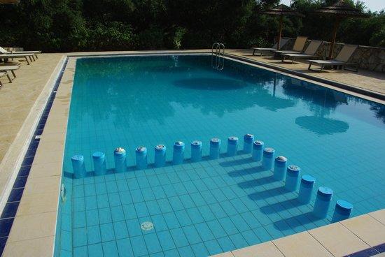 Elia Traditional Guesthouse: la piscine
