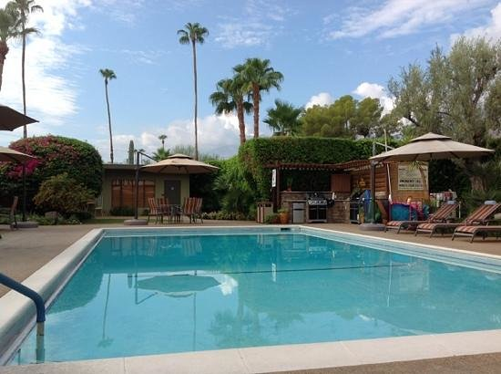 Desert Riviera Hotel: beautiful surroundings.