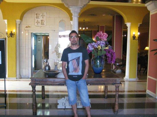 Alcazar de la Reina Hotel: recepcion