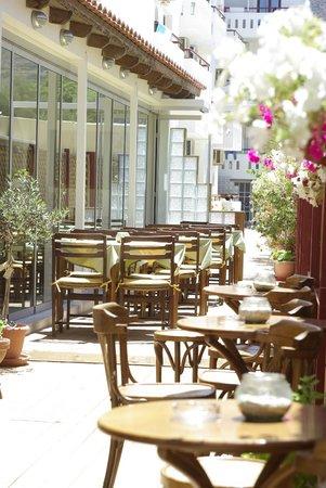 Hotel Thalia: Веранда