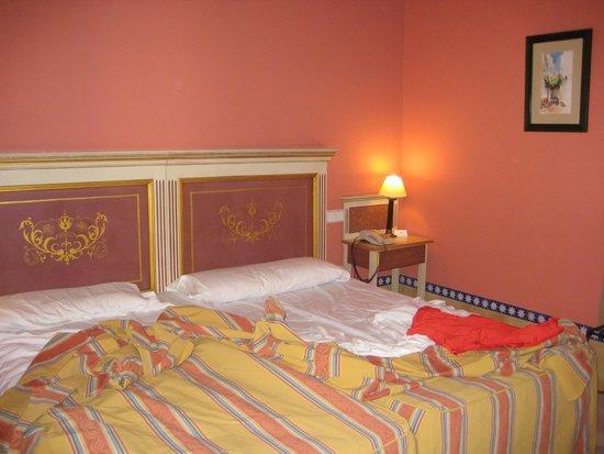 Alcazar de la Reina Hotel: habitacion