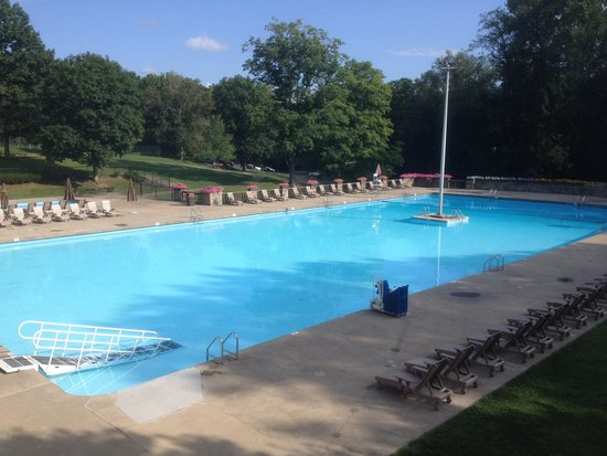 Wilson Lodge At Oglebay Resort Conference Center Outdoor Pool