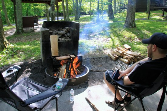 Lewis Mountain Cabins: firepit