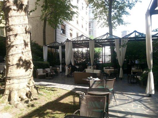 Hotel Manin: giardino di giorno