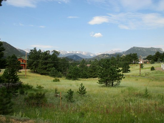 Quality Inn Estes Park : View behind the motel