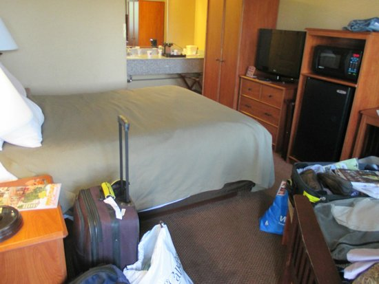 Quality Inn Estes Park : Tiny room