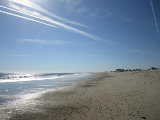 هوليداي إن إكسبريس هوتل آند سويتس سيبروك: Hampton beach