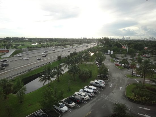 Courtyard by Marriott Miami Airport : View from room