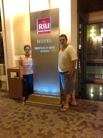 Hotel Riu Emerald Bay: Entrada